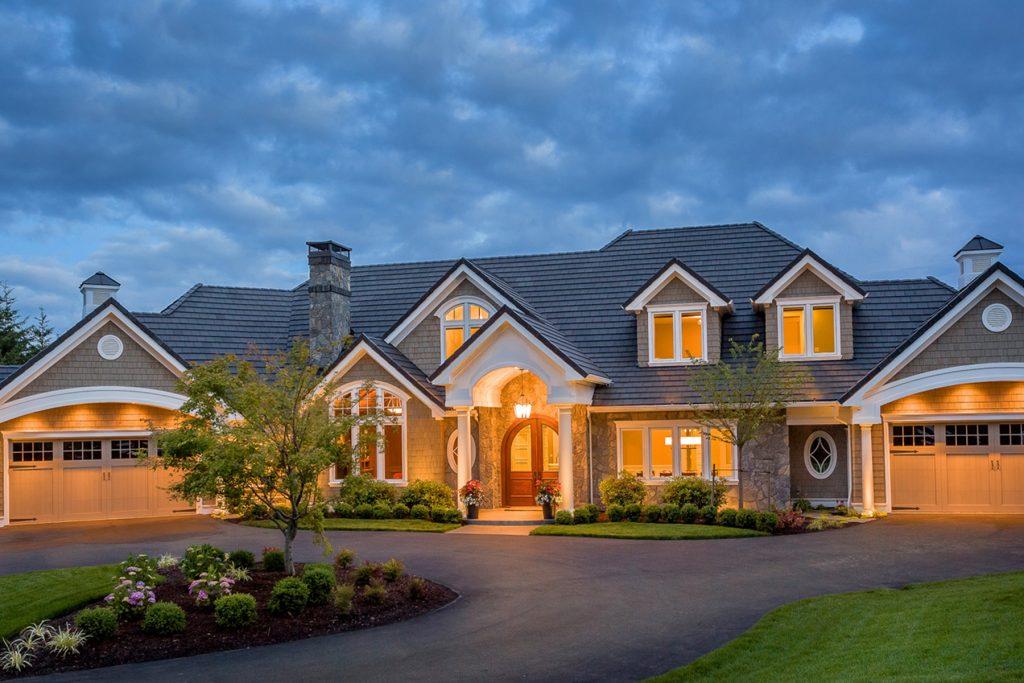 Delahunt-Homes_West-Linn-Custom-built-home-exterior